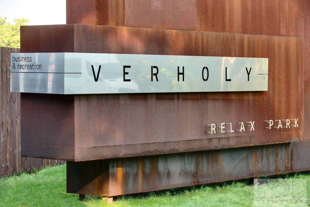 Реализованный Объект «Relax Rark Verholy». Салон элитных дверей «APRIO» Киев
